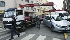 Praha 5 zavede nový systém parkování, v centru Smíchova zaparkují pouze místní