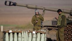 Izrael a Hamas se dohodly na příměří, oznámila Clintonová