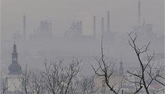 Smog zahalil Ostravsko, firmy musí omezit výrobu