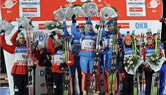 Biatlonisté zahájili sezonu 3. místem ve smíšené štafetě