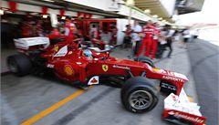 Ferrari přemítá o protestu, podle FIA Vettel pravidla neporušil