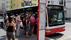 O autobusech na zemní plyn jednal Zeman s ministrem Podivínským