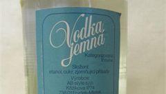 Seznam nebezpečného alkoholu: metanol ve vodce a falešná vína