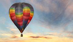 Bratry Montgolfiery k prvnímu balonu inspirovala sukně