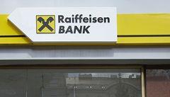 První kritizovaná banka zrušila poplatky za vedení úvěru
