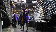 Bryant jako pátý hráč historie dal v NBA 30 tisíc bodů