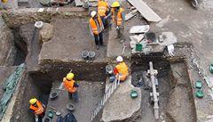 V budovaném sídle Havlovy knihovny se objevily lidské kosti