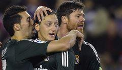 Real dvakrát prohrával s Valladolidem, díky Özilovi ale vyhrál