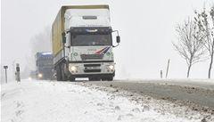 Víkend bude mrazivý, silnice klouzavé a pokryté rozbředlým sněhem