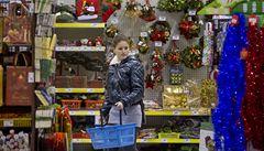 Češi začali nakupovat vánoční dárky ve velkém, utrácí více než loni