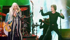 Lady Gaga a Mick Jagger vystoupili na jednom pódiu