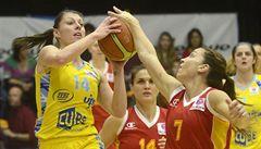 Basketbalistky USK doma prohrály s Galatasarayem o 14 bodů