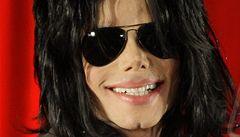 Jacksonovi potomci žalují pořadatele koncertů. Stresoval jejich otce