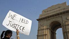 V Indii hromadně znásilnili školačku, tělo hodili do kanálu