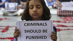 V Indii pohřbili brutálně znásilněnou studentku, policie čeká protesty