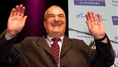 Zeman je protivník, se kterým stojí za to se střetnout, řekl Schwarzenberg
