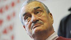 Čeští vědci podpořili Schwarzenberga: Je to jediný rozumný krok
