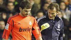 Casillase čeká pauza, spoluhráč mu zlomil ruku