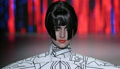 Fashion Week v Amsterodamu: kožichy z myší a rudé rty modelů