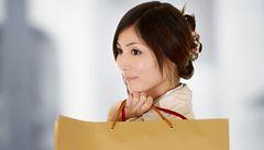 Touha nakupovat vrcholí u žen za ovulace