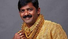 Indický podnikatel si nechal ušít košili ze zlata