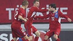 V nominaci na zápas s Kanadou jsou Čech, Rosický i Vydra