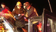 Nehoda autobusu s lidmi z Harvardovy univerzity, zranily se desítky lidí