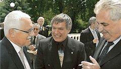Lovec mocných Barták: na fotkách vedle Zemana, Klause i papeže