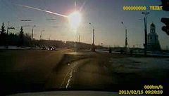 Rusové našli úlomky meteoritu, který dopadl na Ural
