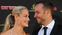 Pistorius na přítelkyni příliš tlačil, tvrdí známí slavného páru