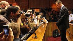 Pistoriusovi právníci napadli kauci. Chtějí, aby atlet mohl vycestovat