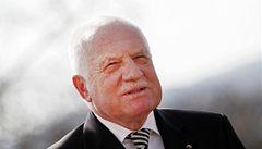 ČNB chce jen předvést aktivitu, kritizuje Klaus oslabení koruny