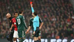 Rozhodčí spáchal zločin, volal fanoušek policii kvůli červené kartě