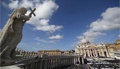 Vatikán řeší 'biskupa luxusu'. V Německu si postavil rezidenci