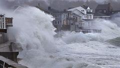 Vedro, záplavy, hurikány. Země prochází nevídanými výkyvy počasí