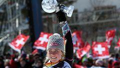 Malý glóbus za slalom vyfoukla hvězdě Mazeové mladičká Shiffrinová