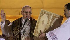 Na papežovi leží stín z dob vojenské diktatury v Argentině