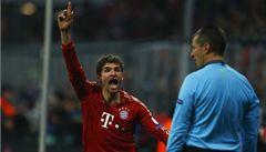 Arsenalu výhra 2:0 na Bayernu nestačila, postupuje i Málaga