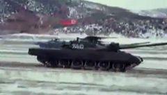 Nové video z dílny KLDR: invaze do Jižní Koreje, tisíce Američanů v zajetí