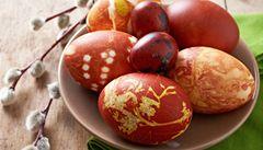 Velikonoce bez chemie. Jak barvit vajíčka přírodními barvami?