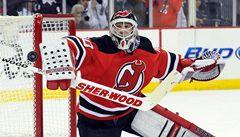 Je nejproduktivnějším gólmanem v historii NHL. Brodeur zase skóroval