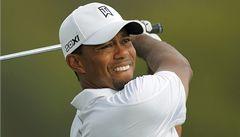 Woods znovu sahá po golfovém trůnu, v Orlandu vede