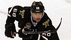 VIDEO: Jágr v NHL asistoval potisící, Šustr odehrál první zápas