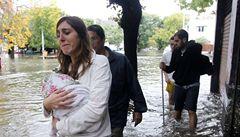 Buenos Aires zaplavil rekordní déšť, ulice se proměnily v řeky