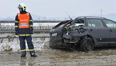 Silné sněžení a ostrý vítr mají za následek několik dopravních nehod