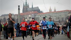 Praha hostí půlmaraton. Řidiče a cestující MHD čekají uzavírky a zdržení