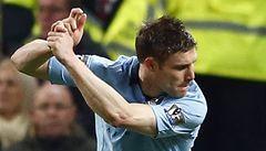 Derby o Manchester ovládlo City, United ale mají náskok 12 bodů