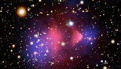 Vědci jsou krůček od přímého pozorování temné hmoty