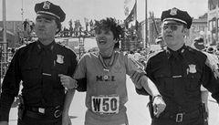 VIDEO: Podvod století na bostonském maratonu 'slaví' třicáté narozeniny