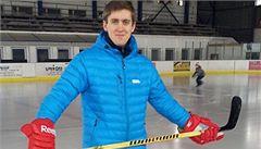 Přišel o nohu, přesto hokejista Bernat nastoupí v první lize